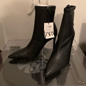 Sexy, cool, and versatile bootie. Perfect for Fall